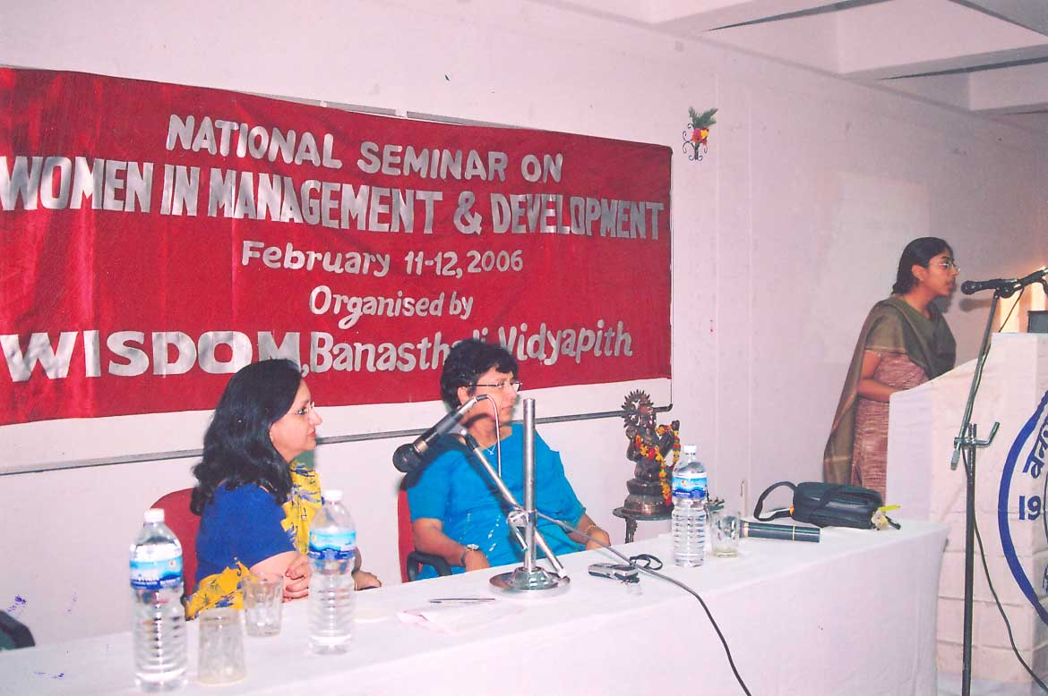 Arpana Kanaujia, A Wisdomite presenting her views in the 'National Seminar on Women in Management and Development' (2006)